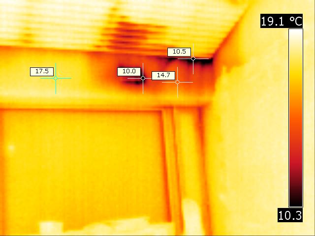 Thermal anomalie around an electrical blanking plate